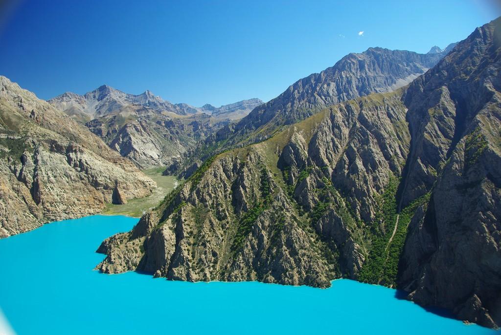 Couleurs incroyables du lac Phoksundo