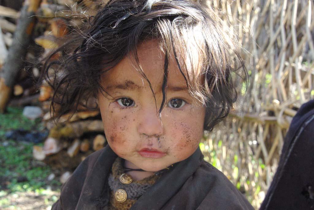 Enfant du village de Prok, tour du Manaslu