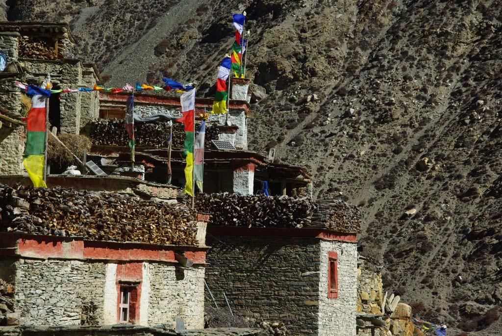Haute route des Annapurna, Phu