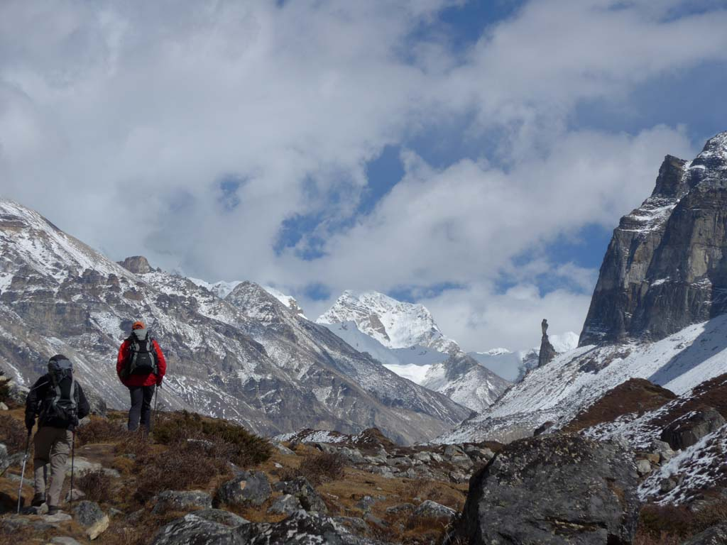 Trek lumba sumba, le gardien du camp de kanchenjunga