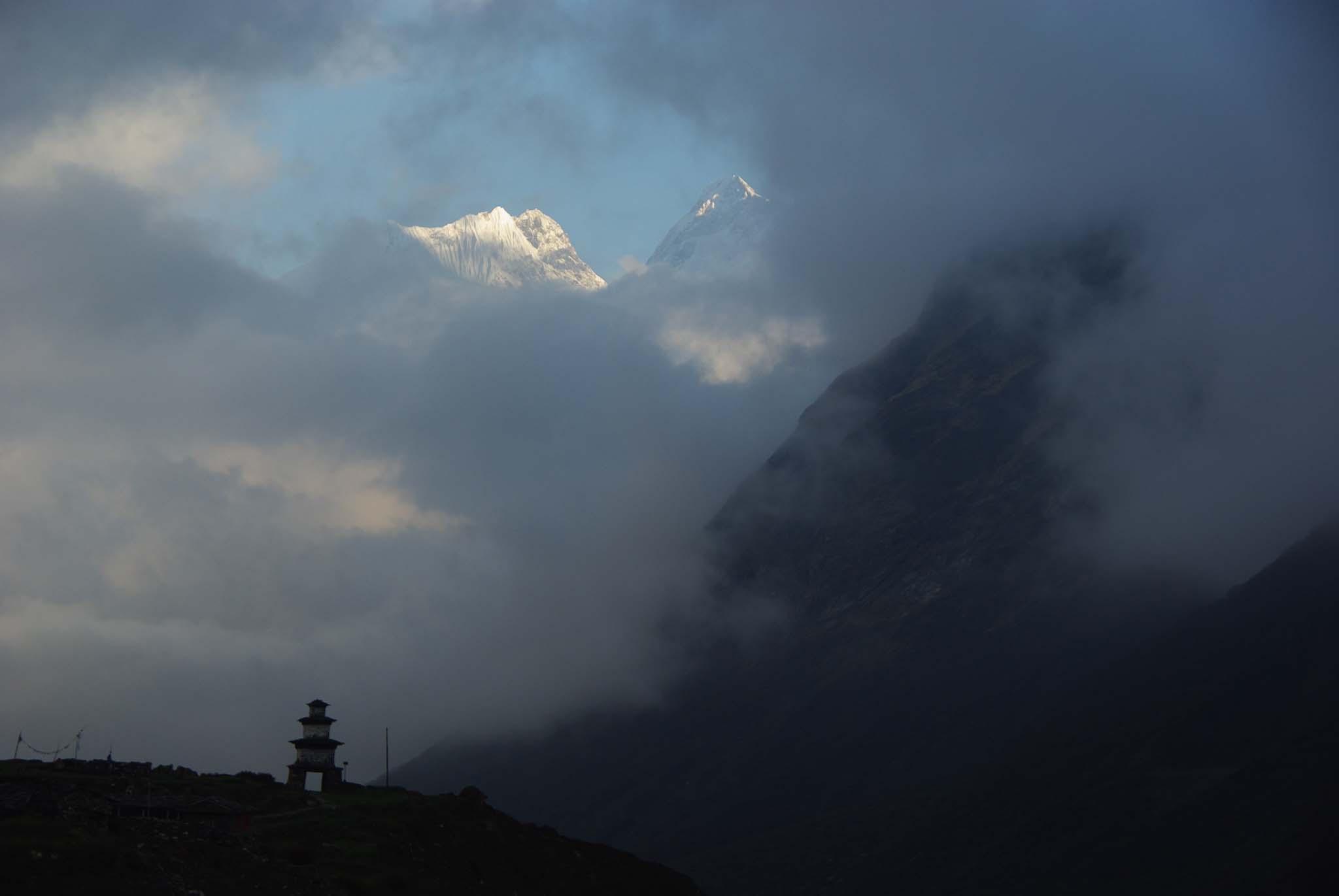 Stupa du village de Samdo, Manaslu