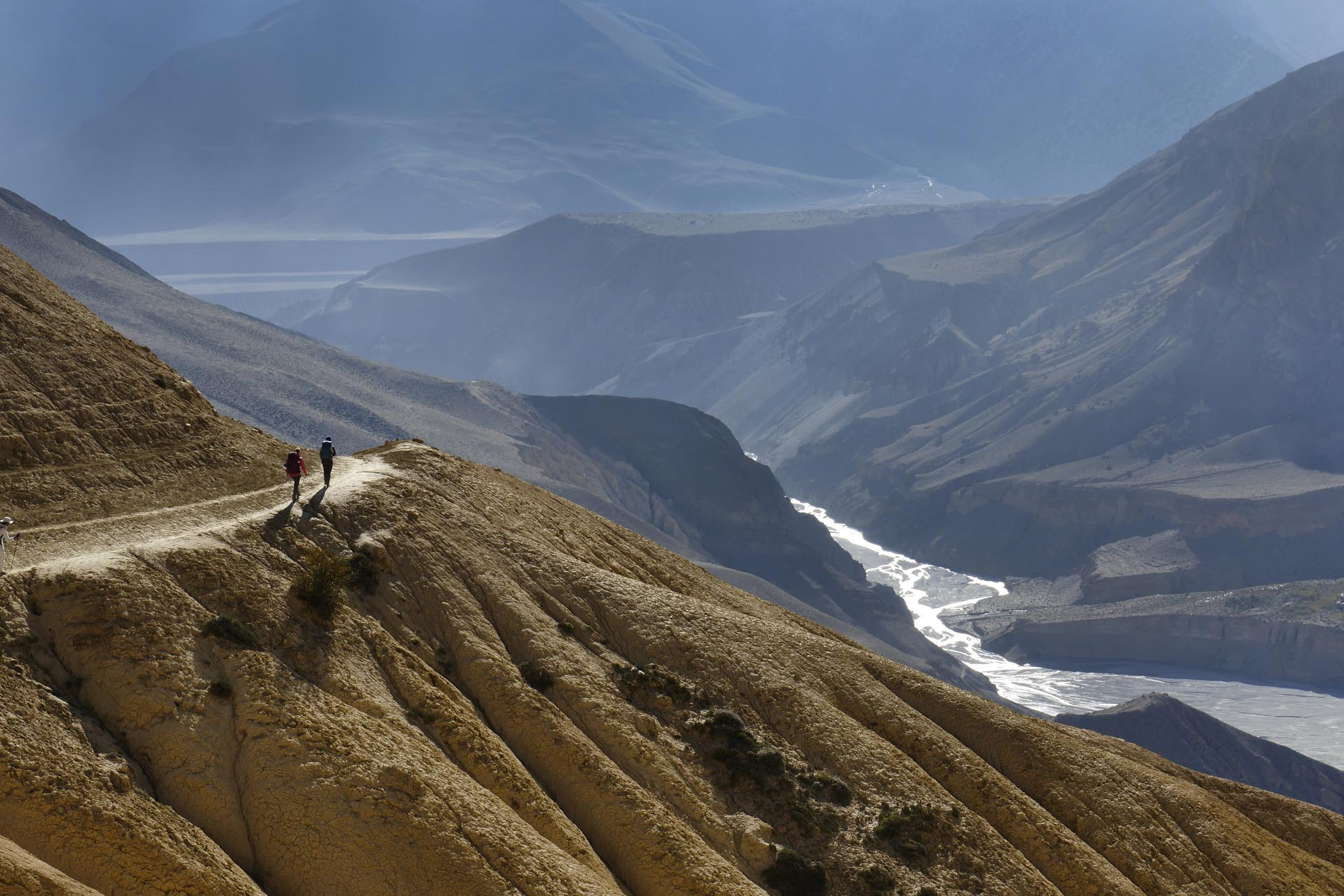 Trek au Mustang entre Tetang et Tange